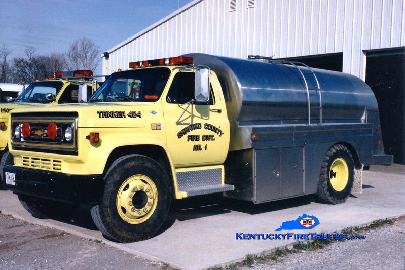<center> RETIRED <br> Garrard County Fire Dist. 1  Tanker 4 <br> 1982 Chevy C/Bluegrass 0/1800 <br> Greg Stapleton photo <br> </center>