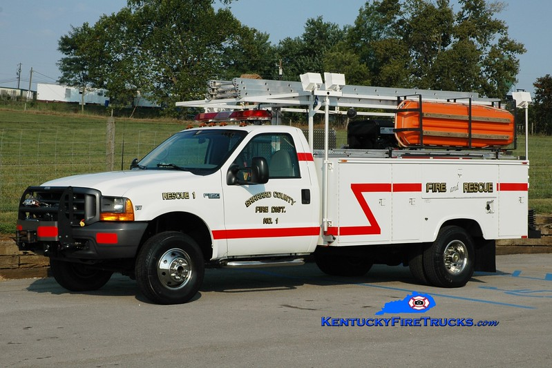 <center> Garrard County Fire Dist. 1  Rescue 1 <br> 2004 Ford F-350 4x4/Reading 250/250 <br> Greg Stapleton photo <br> </center>