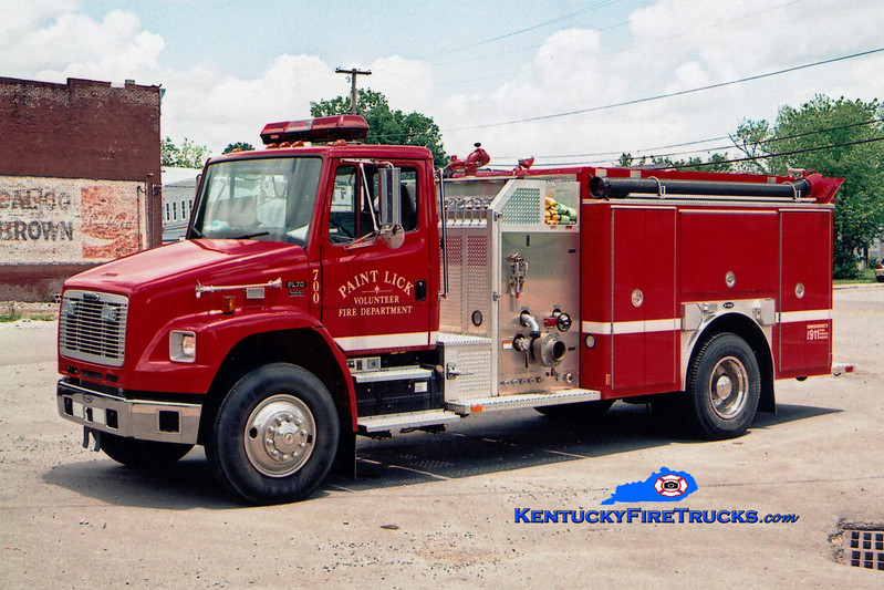 <center> Paint Lick  Engine 700 <br> 2004 Freightliner FL70/E-One 1250/1000 <br> Greg Stapleton photo </center>