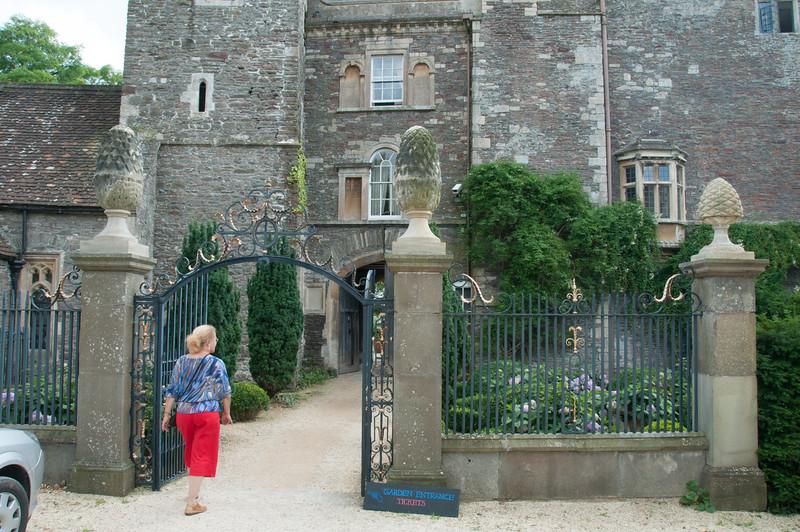 2009-August-09-Hanham Hall Gardens-3