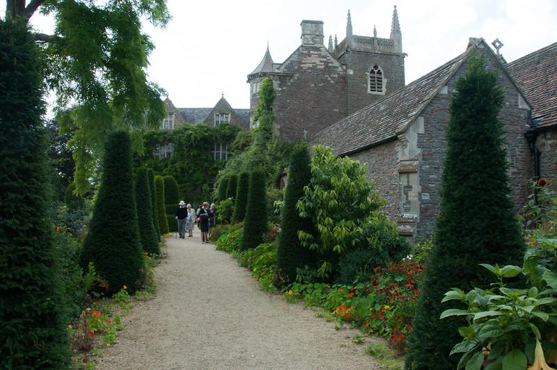 2009-August-09-Hanham Hall Gardens-5