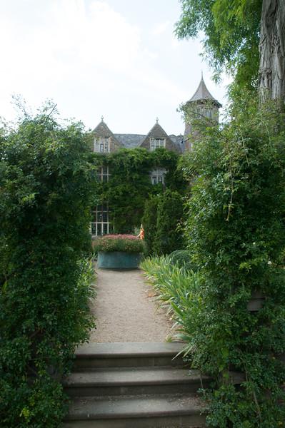 2009-August-09-Hanham Hall Gardens-9