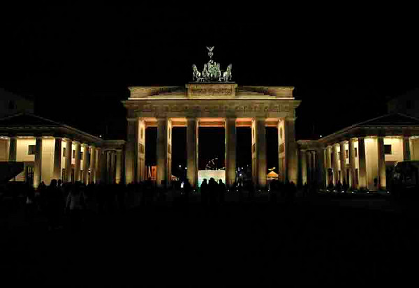 Brandenburg Gate #1<br /> Berlin<br /> <br /> P030