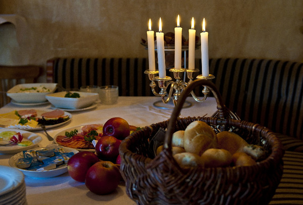 Candlelight breakfast<br /> Dierhagen, Germany<br /> <br /> P292