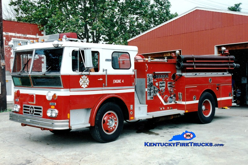 <center> RETIRED <br> Corinth Engine 104 <br> x-Reedy Creek, FL <br> 1970 Ward LaFrance Ambassador 1250/750 <br> Greg Stapleton photo </center>