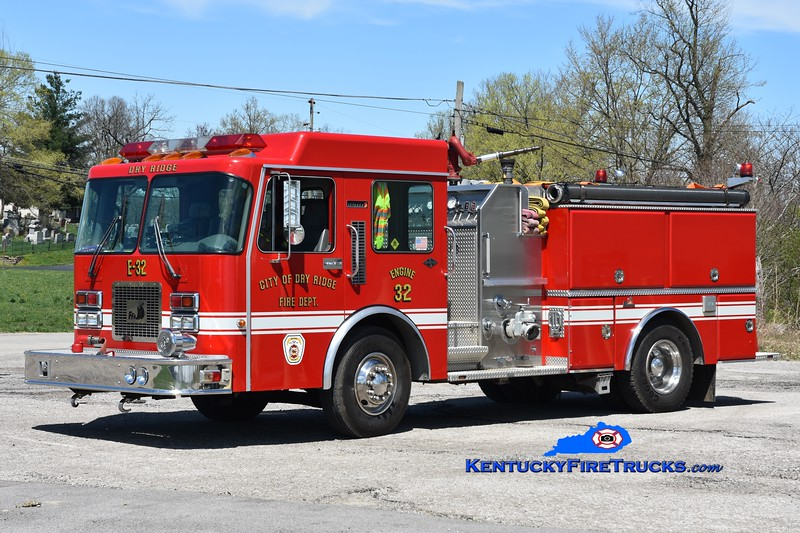Dry Ridge Engine 32 <br /> x-Engine 303 <br /> 1995 Spartan/Ferrara Invader 1250/1000 <br /> Greg Stapleton photo