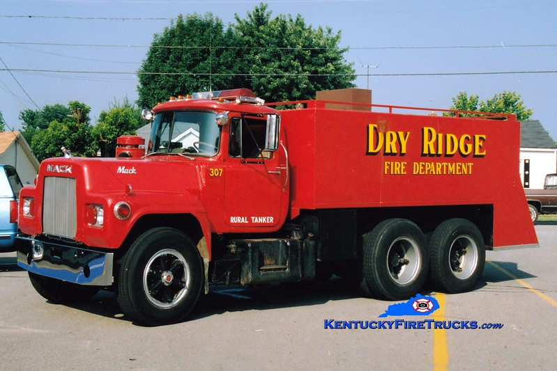 <center> RETIRED <br> Dry Ridge Tanker 307 <br> 1974 Mack R/Local 300/2700 <br> Greg Stapleton photo </center>