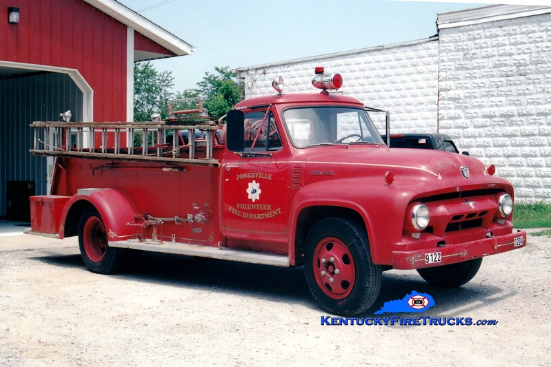 <center> RETIRED <br> Jonesville  Engine 1204 <br> x-Bedford, KY  <br> 1954 Ford F/Darley 200/500 <br> Greg Stapleton photo </center>