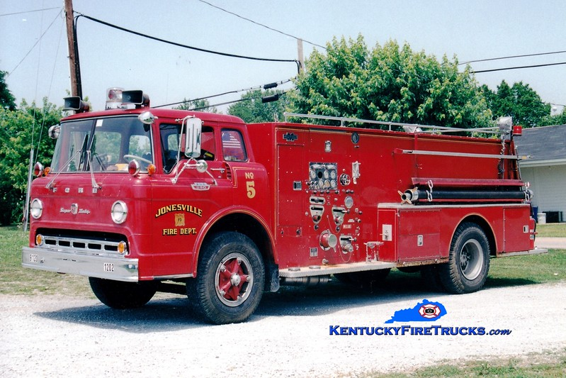 <center> RETIRED <br> Jonesville  Engine 1205 <br> x-Baugo Twp, IN <br> 1965 Ford C-850/Boyer 750/1000 <br> Greg Stapleton photo </center>