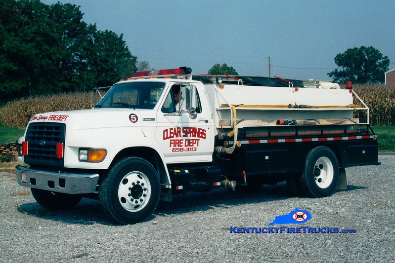 <center> Clear Springs  Tanker 5 <br> 1996 Ford F-800/Local 350/1500 <br> Greg Stapleton photo <br> </center>