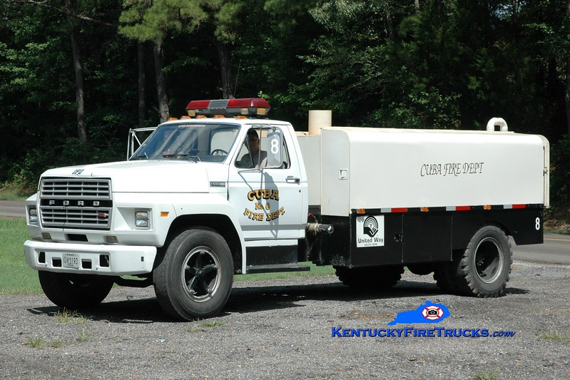 <center> Cuba  Tanker 8 <br> 1981 Ford F-700/Local 0/1200 <br> Greg Stapleton photo <br> </center>