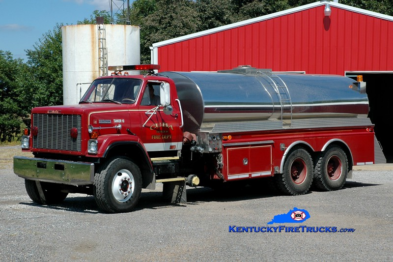 <center> Cuba  Tanker 10 <br> x-Wilmington, DE <br> 1980 GMC Brigadier/4 Guys 250/3000 <br> Greg Stapleton photo <br> </center>