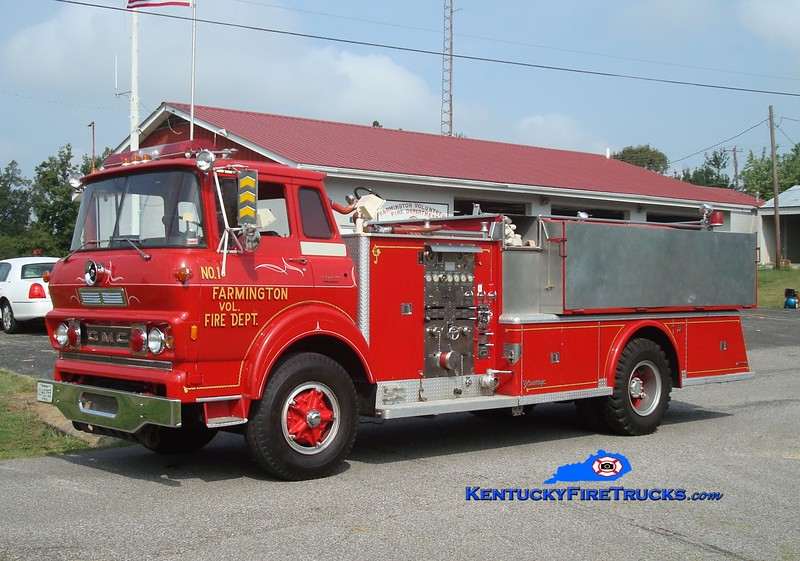 <center> Farmington  Engine 1  <br> x-Cuba, NY <br> 1971 GMC 9500/Young 1000/750 <br> Greg Stapleton photo </center>