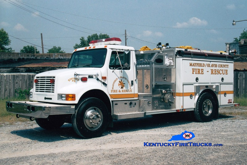 <center> Mayfield-Graves County Engine 1 <br> 1999 International 4900/E-One 1250/1000 <br> Greg Stapleton photo <br> </center>