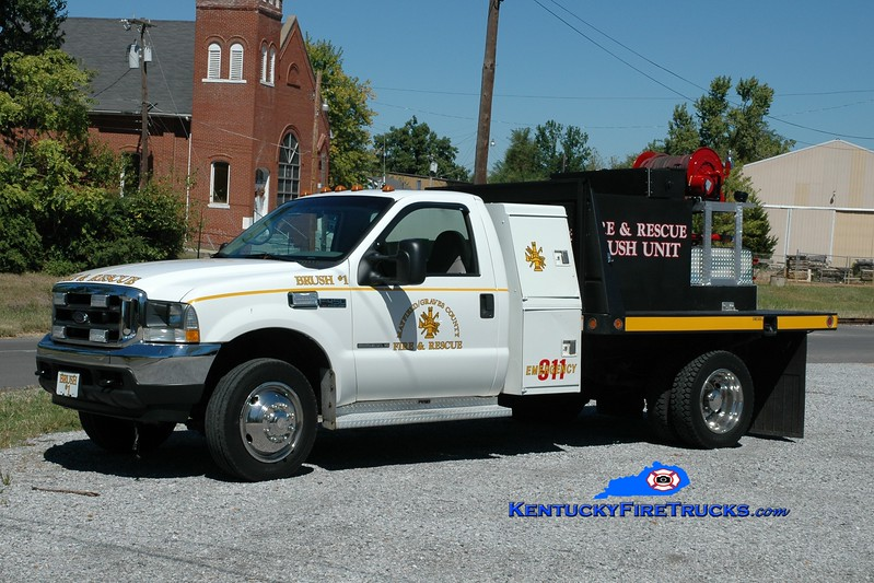 <center> Mayfield-Graves County Brush 1 <br> 2001 Ford F-450 4x4/Great Lakes 250/250 <br> Greg Stapleton photo <br> </center>