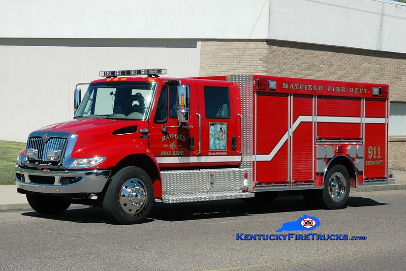 <center> Mayfield  Rescue 1 <br> 2011 International 4300/Warner  <br> Greg Stapleton photo <br> </center>