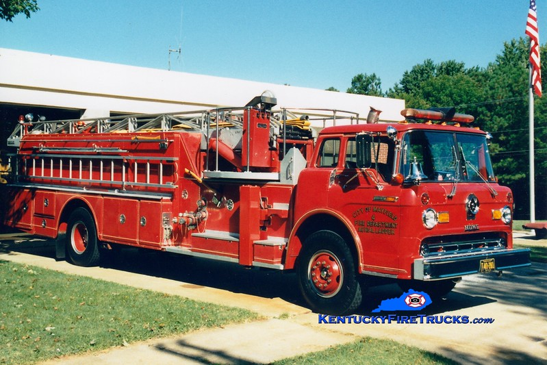 <center> RETIRED <br> Mayfield  Ladder 4 <br> 1969 Ford C/Howe/Grove 1000/200/85' <br> Greg Stapleton photo <br> </center>