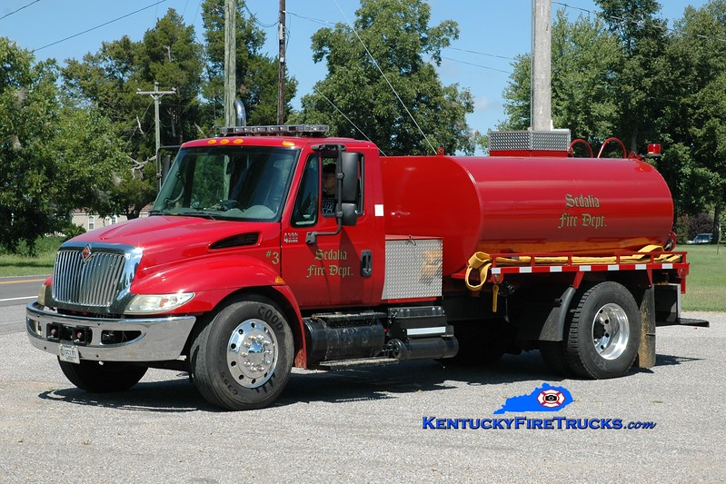 <center> Sedalia  Tanker 3 <br> 2004 International 4300/2012 Local 250/1500 <br> Greg Stapleton photo </center>