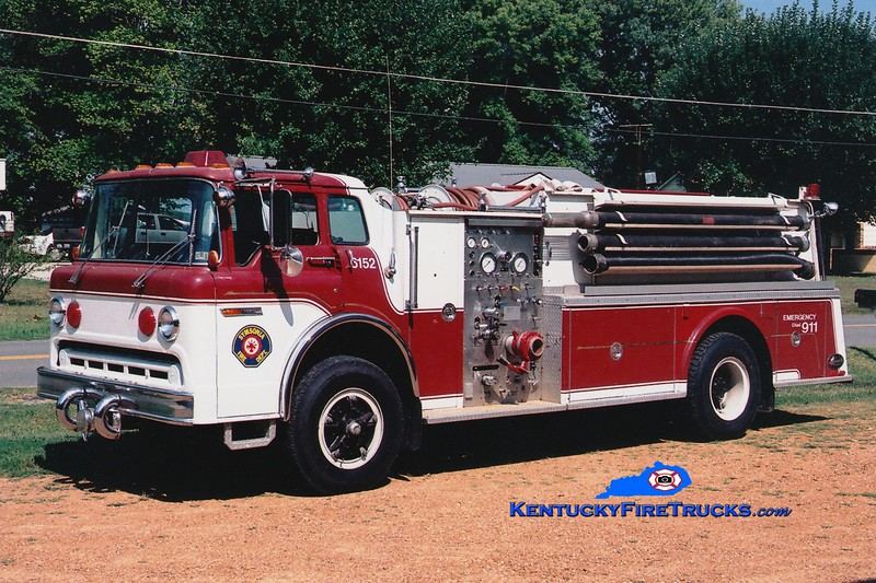 <center> RETIRED <br> Symsonia  Engine 6152 <br> x-Cressona, PA <br> 1978 Ford C/Hamerly 750/1000 <br> Greg Stapleton photo </center>