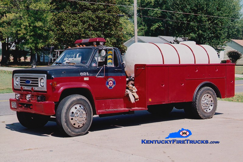 <center> RETIRED <br> Symsonia  Tanker 6171 <br> 1982 Chevy/Local 250/1000 <br> Greg Stapleton photo </center>