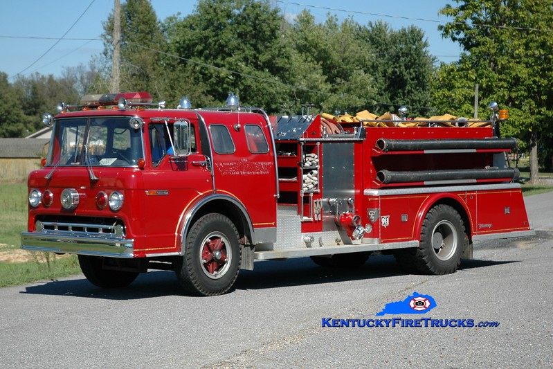 <center> Viola  Engine 2152 <br> x-Harvey Brewers, KY <br> 1975 Ford C/Young 1000/1000 <br> Greg Stapleton photo </center>