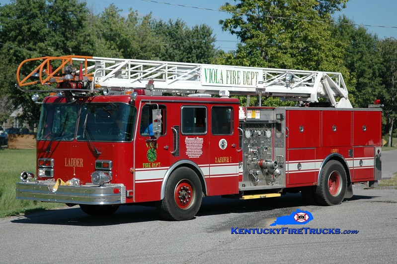 <center> Viola  Ladder 1 <br> x-Oak Park, IL <br> 1988 Spartan/Pierce/Smeal 1250/400/55' <br> Greg Stapleton photo </center>