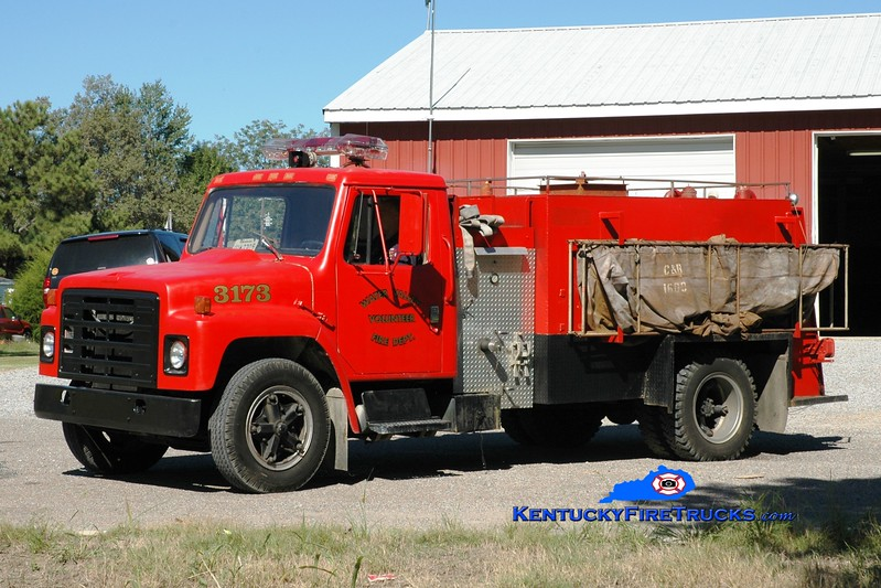 <center> Water Valley  Tanker 3173 <br> 1984 International S1900/Local 250/1500 <br> Greg Stapleton photo </center>