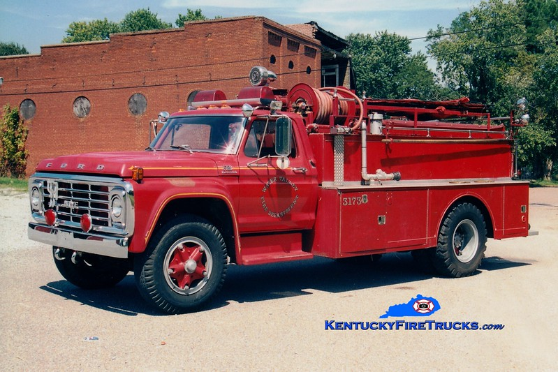 <center> RETIRED <br> Water Valley  Tanker 3173 <br> 1976 Ford F/Howe 300/1200 <br> Greg Stapleton photo </center>