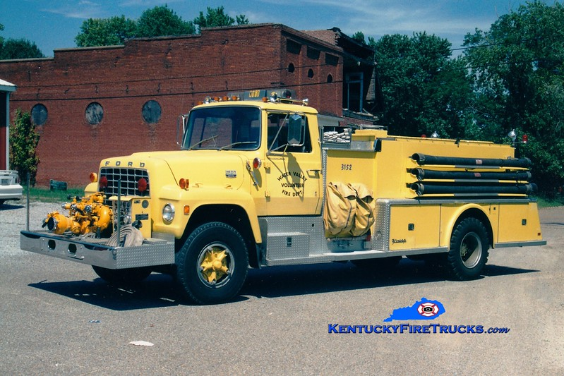 <center> RETIRED <br> Water Valley  Engine 3152 <br> x-Morton, NY <br> 1974 Ford L/Young 1000/1200 <br> Greg Stapleton photo </center>