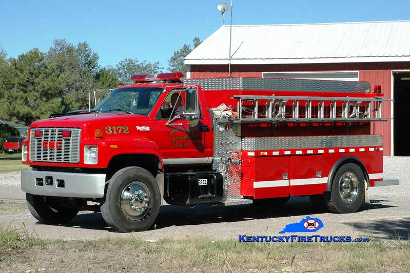 <center> Water Valley  Tanker 3172 <br> 1995 GMC Top Kick/2011 Deep South  250/2000 <br> Greg Stapleton photo </center>