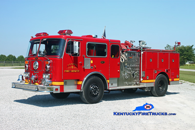 <center> Anneta  Engine 1 <br> x-Buechel, KY <br> 1985/2005 Seagrave HB 1500/500 <br> Kent Parrish photo </center>