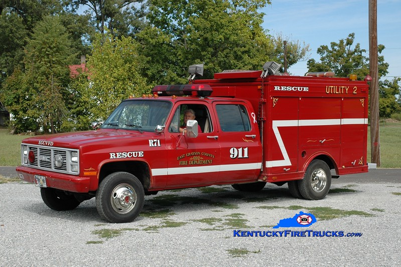 <center> RETIRED <br> East Grayson  Rescue 71 <br> x-US Army <br> 1988 GMC 4x4/Landoll  <br> Greg Stapleton photo <br> </center>