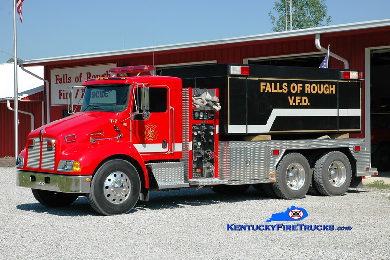 <center> Falls of Rough  Tanker 2  <br> 2003 Kenworth T-370/Fouts Bros 500/3000 <br> Greg Stapleton photo </center>