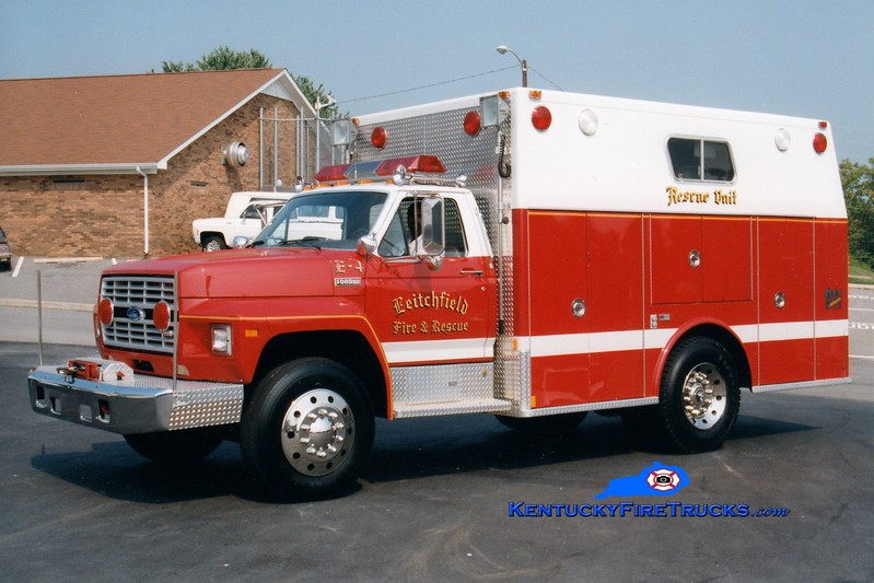 <center> Leitchfield  Rescue 4 <br> 1985 Ford F-800/Marion  <br> Greg Stapleton photo </center>