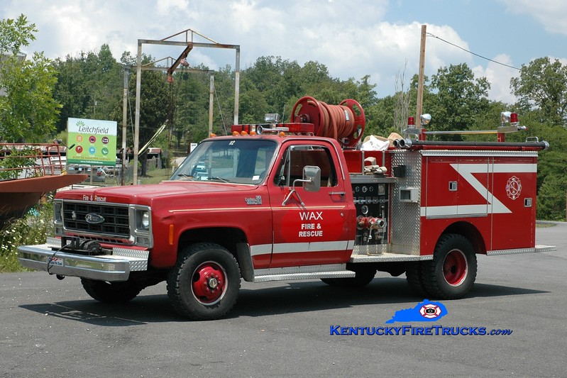 <center> RETIRED <br> Wax  Engine 84  <br> x-Bowling Green, KY <br> 1979 Chevy 4x4/Pierce 350/250  <br> Greg Stapleton photo </center>