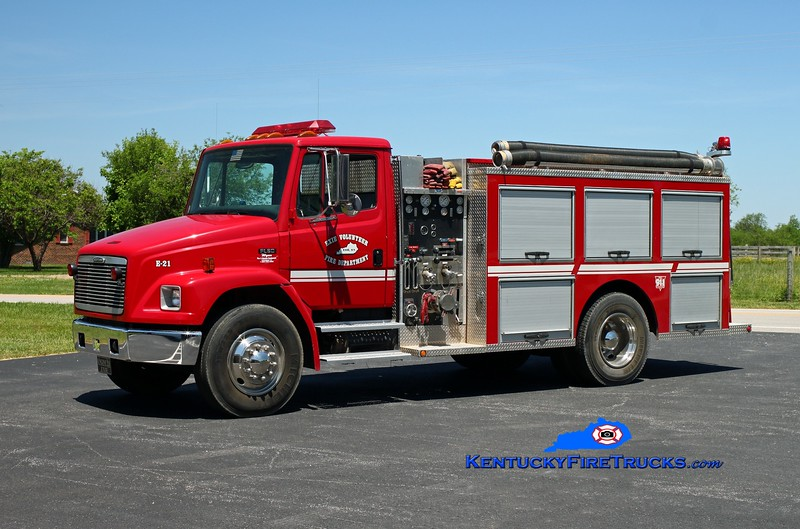 <center> Exie Engine 21 <br> 2000 Freightliner FL80/2001 Wynn 1000/1240 <br> Kent Parrish photo </center>