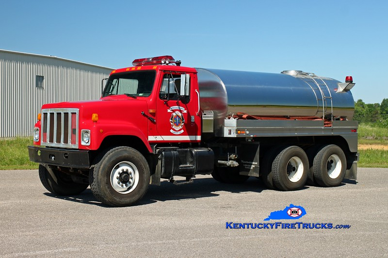 <center> Greensburg-Green County  Tanker 1 <br> 1991 International Paystar/Wynn 250/3000 <br> Kent Parrish photo </center>