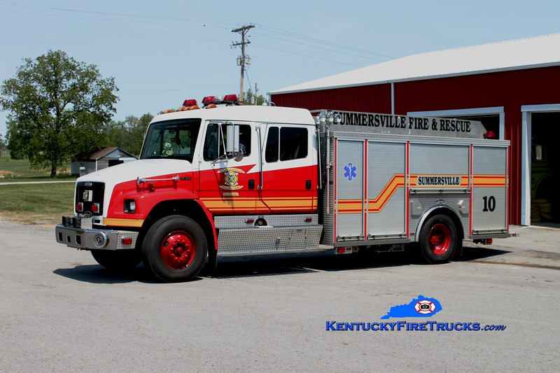 <center> Summersville  Engine 10  <br> 2001 Freightliner FL80/Luverne 1500/1000 <br> Greg Stapleton photo </center>