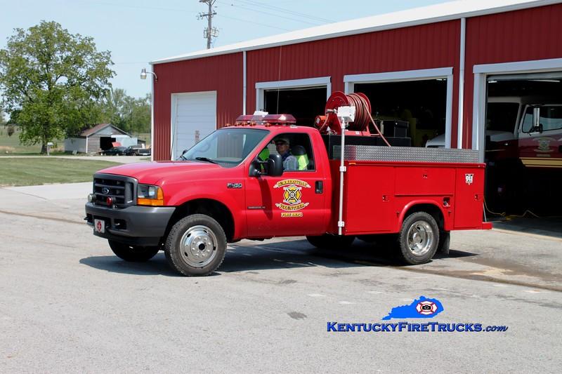 <center> Summersville  Engine 5  <br> 2001 Ford F-450/Owens 250/250 <br> Greg Stapleton photo </center>