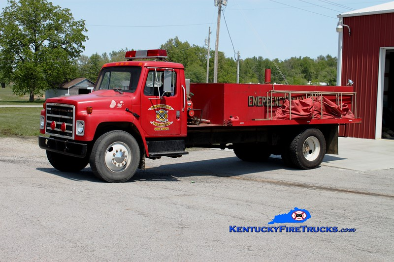 <center> Summersville  Tanker 2  <br> 1983 International/Local 0/1200 <br> Greg Stapleton photo </center>