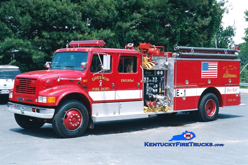 <center> Greenup  Engine 1 <br> 1994 International 4900/Pierce 1000/1000 <br> Greg Stapleton photo </center>