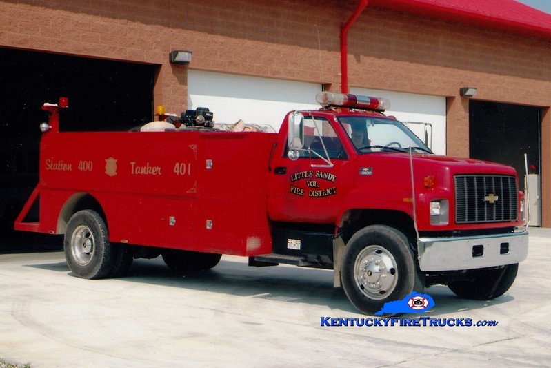 <center> Little Sandy  Tanker 1 <br> 2001 Chevy 7500/Local 350/1500 <br> Greg Stapleton photo </center>