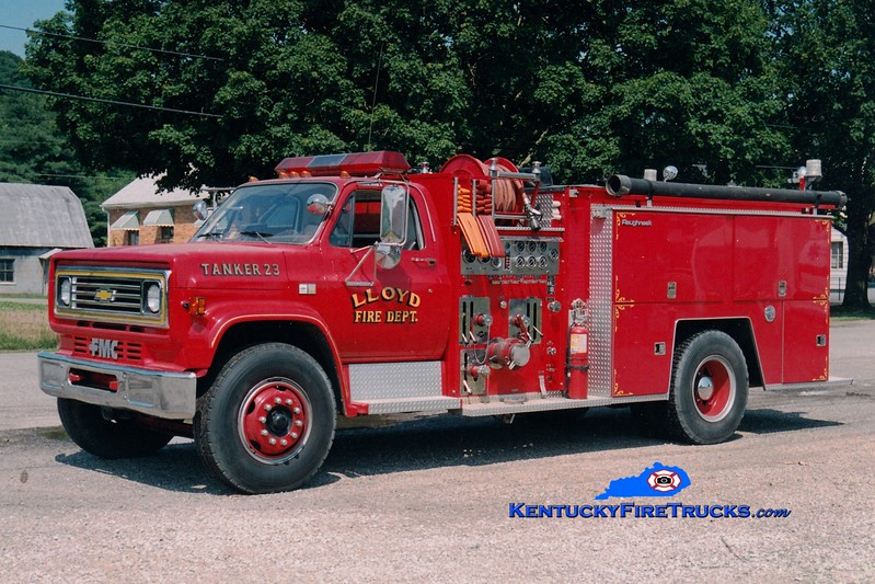 <center> RETIRED <br> Lloyd  Tanker 23 <br> 1984 Chevy C70/FMC 1000/1500 <br> Greg Stapleton photo <br> </center>