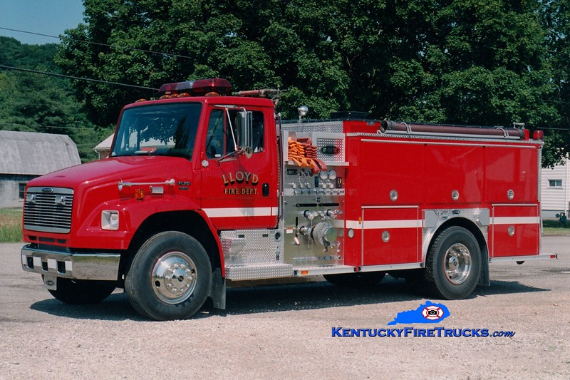 <center> Lloyd  Engine 1 <br> 2001 Freightliner FL/E-One 1250/1000  <br> Greg Stapleton photo <br> </center>