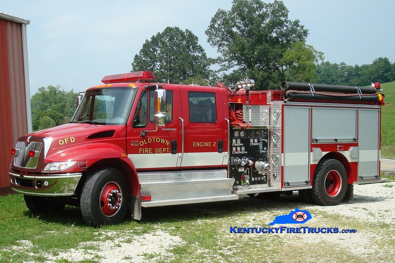 <center> Oldtown  Engine 2 <br> 2003 International 4400/Pierce 1250/1000  <br> Greg Stapleton photo </center>