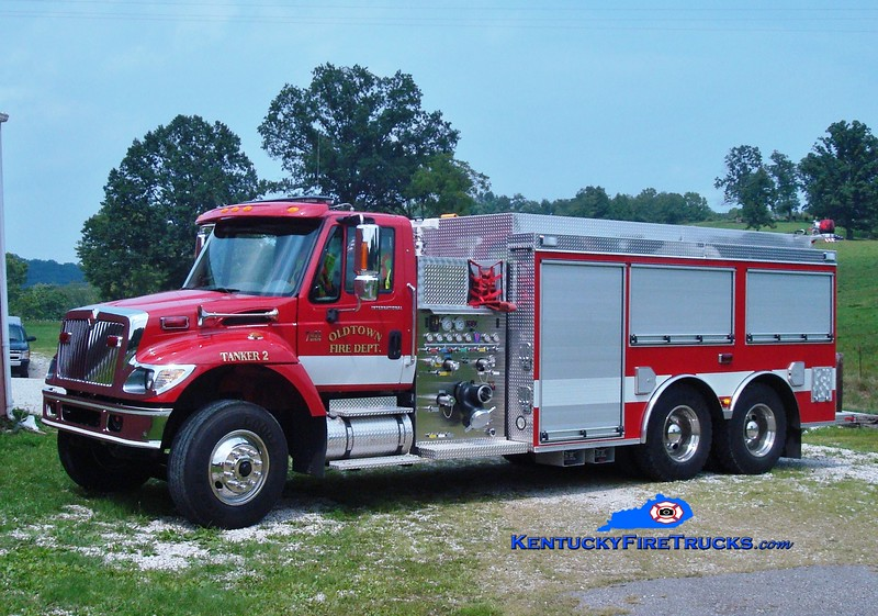 <center> Oldtown  Tanker 2 <br> 2006 International 7900/Wynn 1500/3000  <br> Greg Stapleton photo </center>