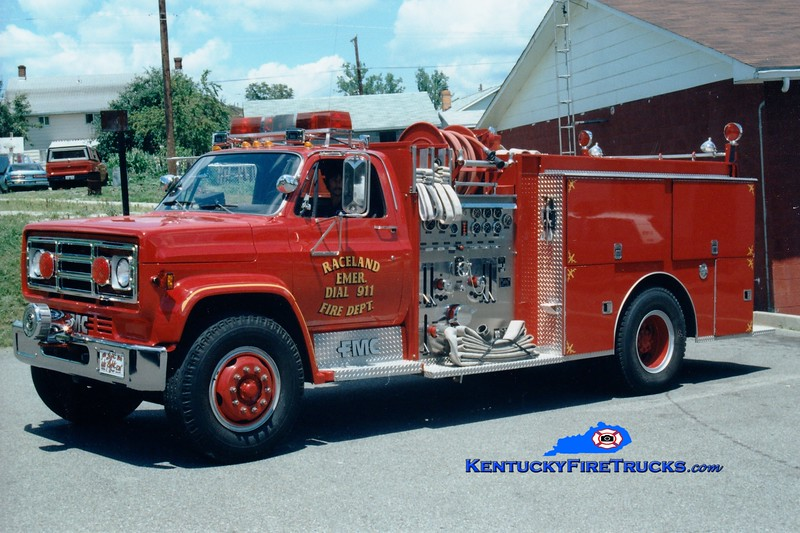 <center> RETIRED <br> Raceland  Engine 1 <br> 1988 GMC/FMC 1000/1000 <br> Greg Stapleton photo </center>