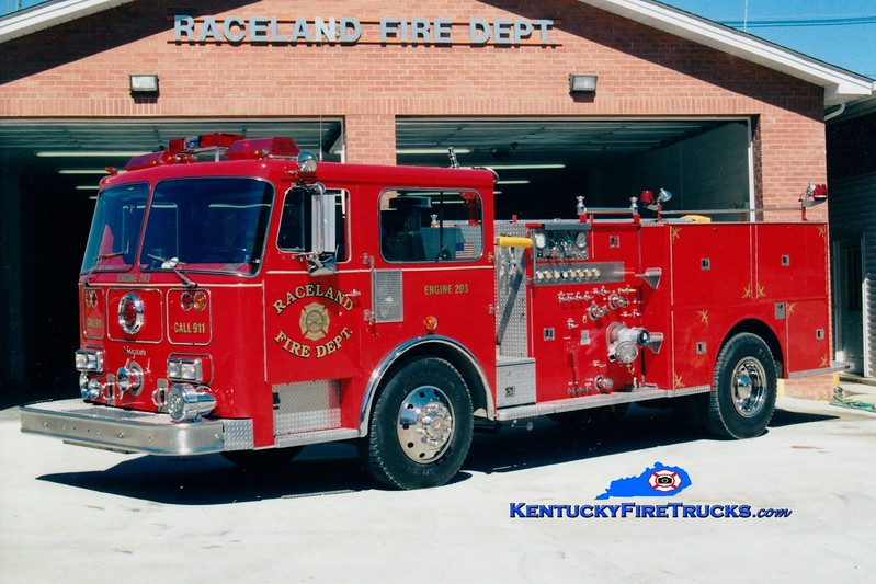 <center> RETIRED <br> Raceland  Engine 203 <br> x-Cincinnati, OH; Ashland, KY <br> 1986 Seagrave HB 1250/300 <br> Greg Stapleton photo </center>