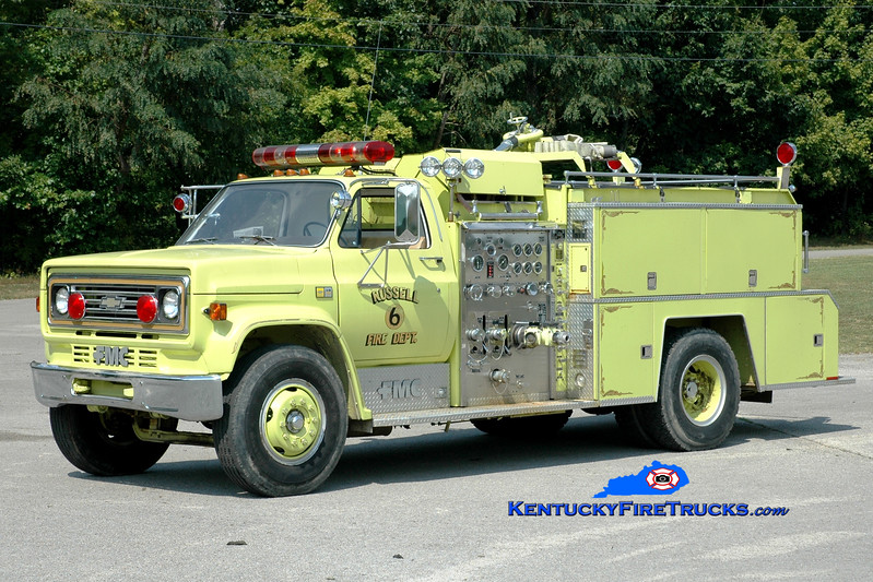 <center> RETIRED <br> Russell  Engine 6 <br> 1982 Chevy C70/FMC 1000/750  <br> Greg Stapleton photo </center>