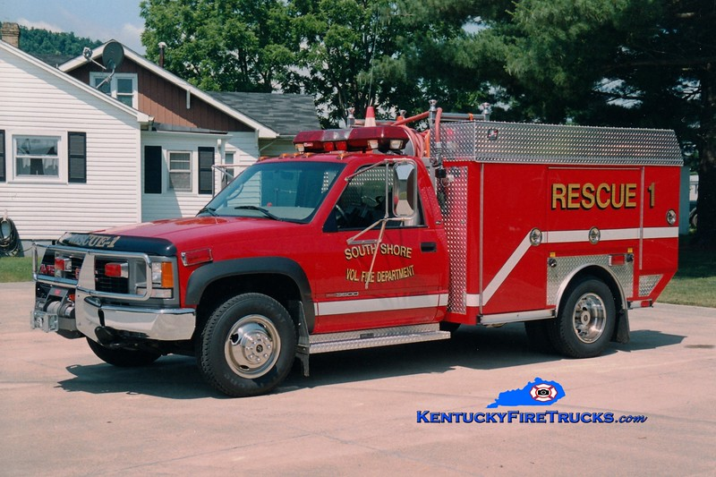 <center> RETIRED <br> South Shore  Rescue 1 <br> 1996 GMC 3500 4x4/E-One/Superior 250/250 <br> Greg Stapleton photo </center>